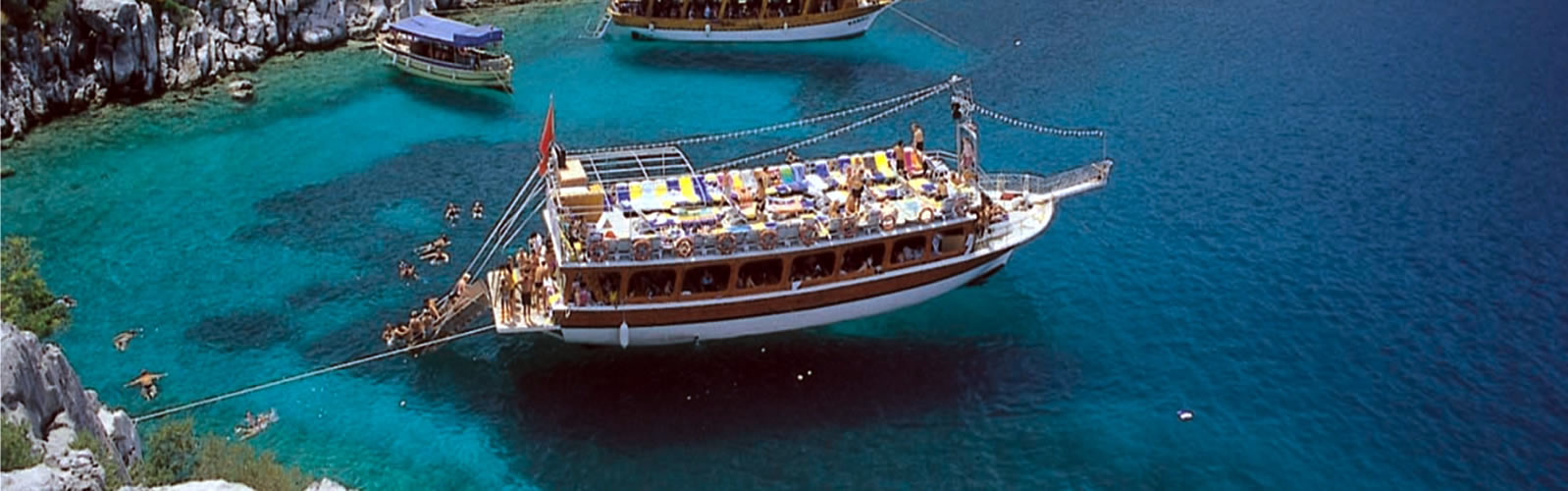 KUSADASI - ATHENS BY FERRY 4 DAYS 3 NIGHTS